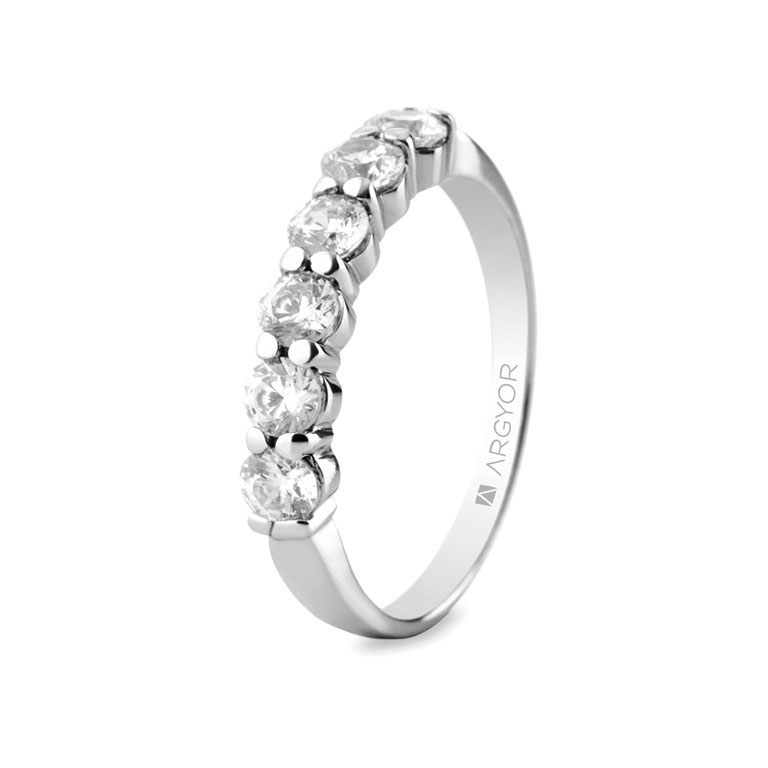 Anillo de oro blanco y diamantes precio