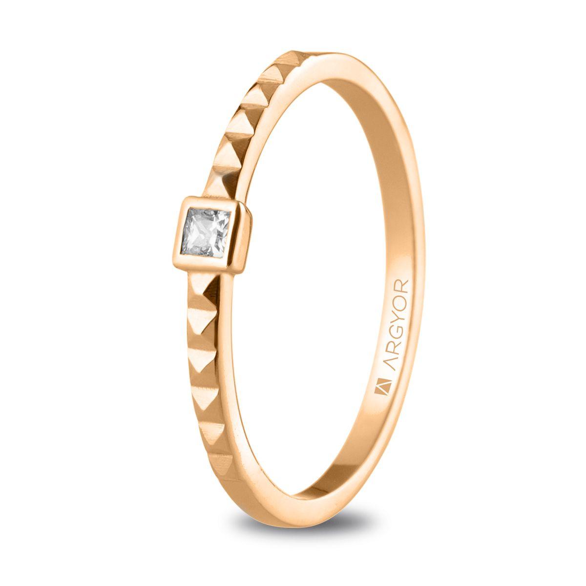 Fotos de anillos de compromiso en oro 8